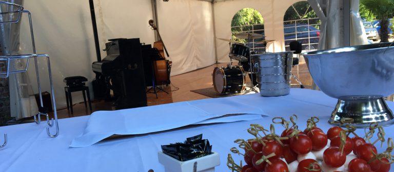 Groupe jazz spécialisé pour l'animation musicale des cocktails de mariages, dîners, anniversaires et lancements de produits. Particuliers et entreprises.